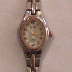 CG Women's Quartz Watch with Mother of Pearl Dial